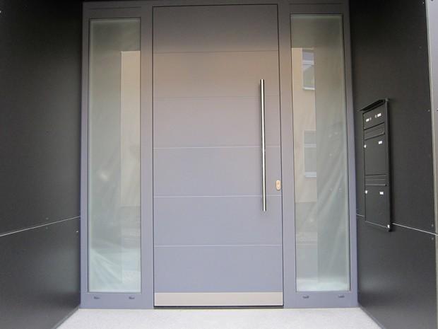 Maßgefertigte Tür aus Schleiz